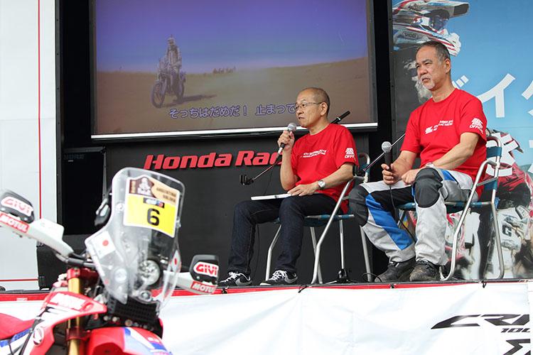開発チームをまとめた飯塚直さん(左)、テストのまとめ役を務めた工藤哲也さん