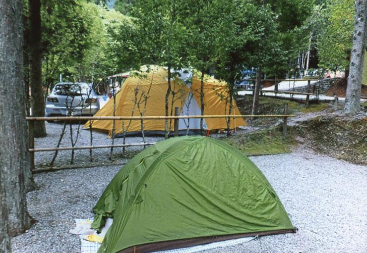 となりのテント