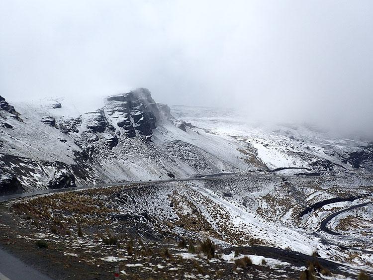 13峠では雪も!実は標高4700m