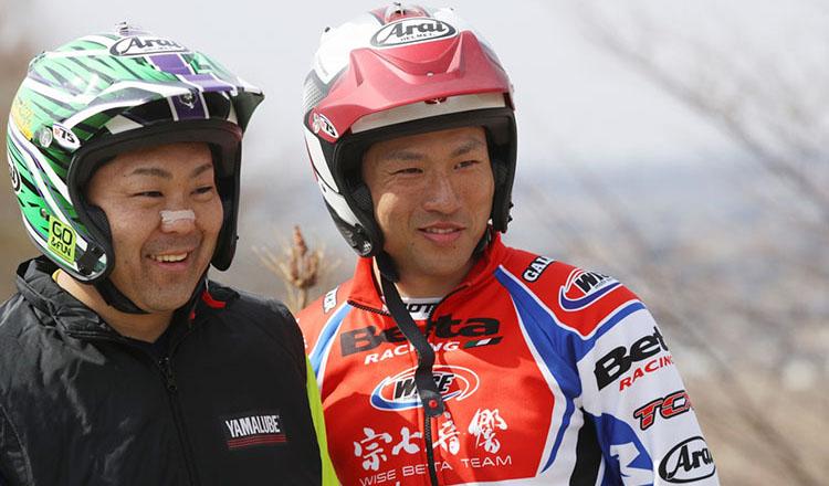 20_#3野崎選手と#4小川(毅)選手、ニヤニヤ、何を話してるんでしょうか?