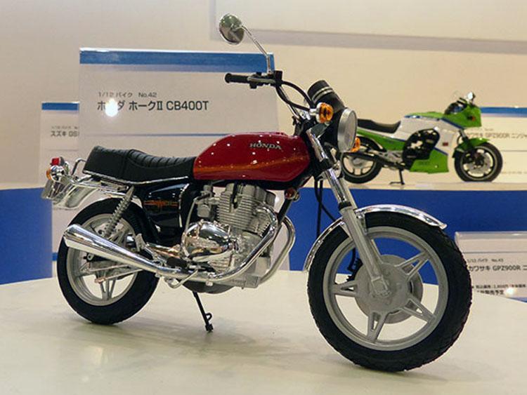 No.42ホンダ ホークⅡ CB400T 6月発売予定 2592円(税込)
