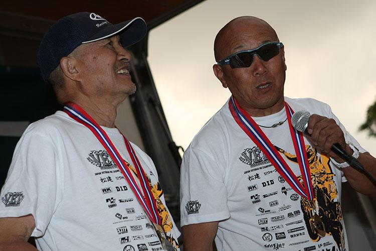 すべての後輩ライダーが「自分も70歳になってあんなふうに走っていたい!」と憧れる、アメイジングな+70の表彰台。最高齢は新津栄一さん79歳