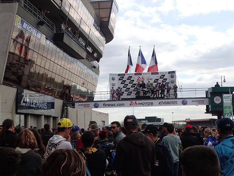 15時、レース終了、表彰式の様子