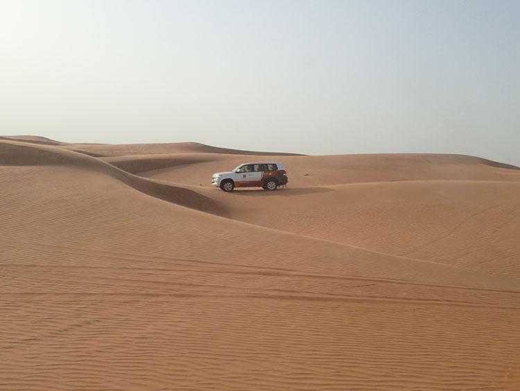 ドバイ名物4WD砂漠ツアー
