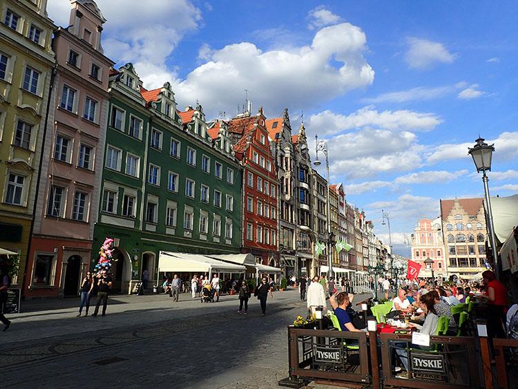 ポーランドの地方都市ブロツワフ。とてもロマンチックな旧市街広場