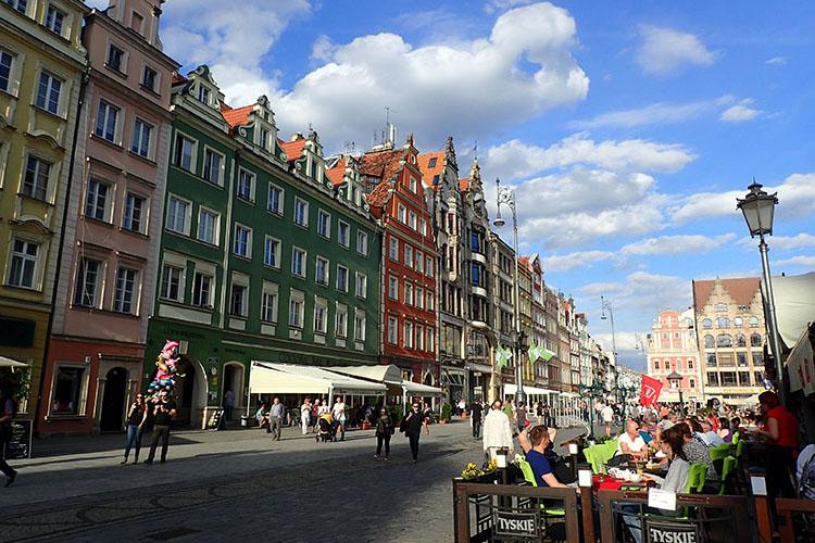 13-1ポーランドの地方都市ブロツワフ。とてもロマンチックな旧市街広場