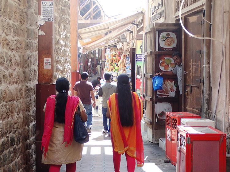 3ドバイといえばキンキラキンなイメージですが、旧市街の市場散策も面白い