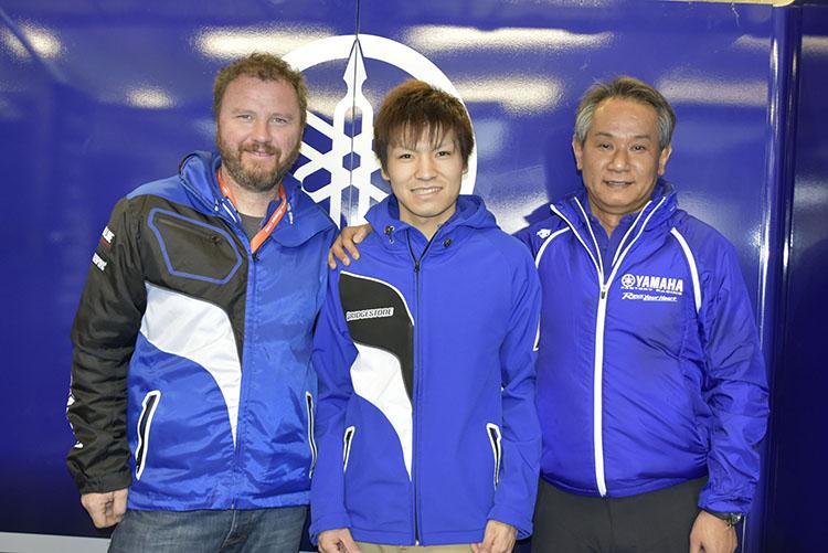 ヤマハワークス入りを果たした野左根航汰が初めてル・マンに挑んだ。写真右は長年MotoGPの監督を務めた中島雅彦氏