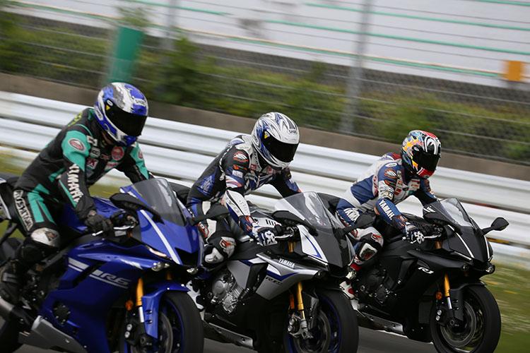 2016年度の全日本GP250チャンピオンの横江竜司選手をはじめとするJGP250の現役ライダーによる、YZF-R25をベースとしたレーシングマシンとYZF-R1、YZF-R6の市販マシンのサーキットデモランは模擬レース形式でおこなわれた。