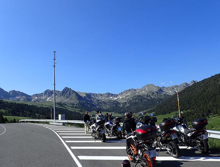 ピレネーの山々が美しいアンドラ公国
