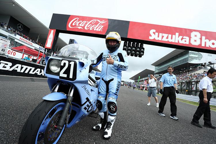 ケニーさんも思い出のバイク・TECH21で! ツナギは新調しました!