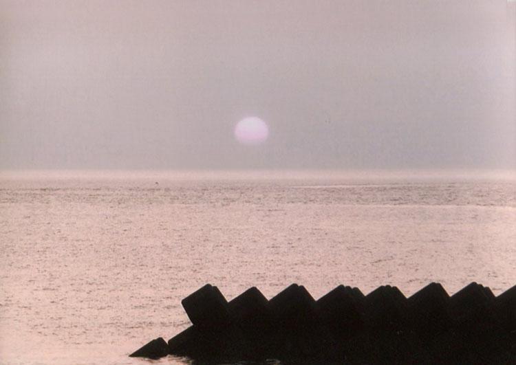 日本海に沈んでいくお日様