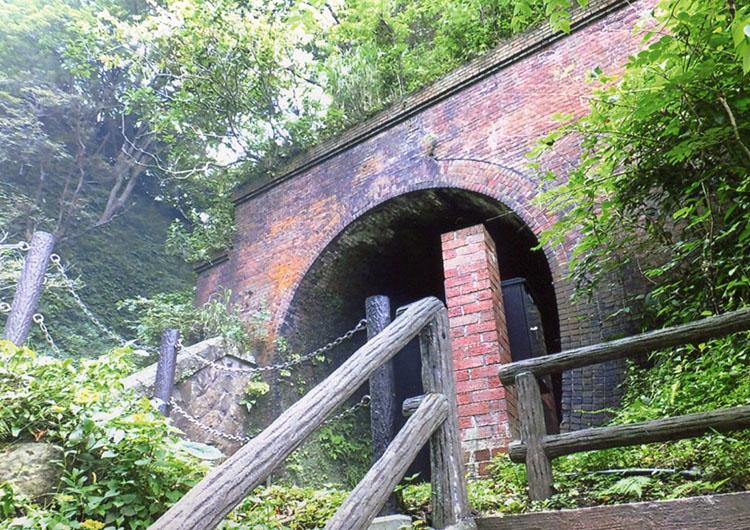 旧国鉄のトンネル
