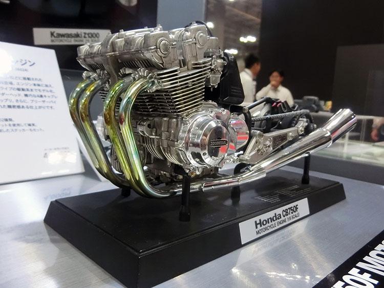 Honda CB750エンジン