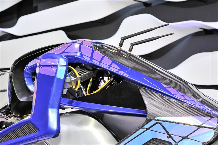 motoroid_02.jpg