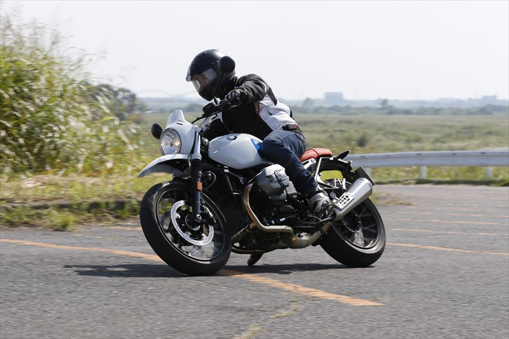 riding03.jpg