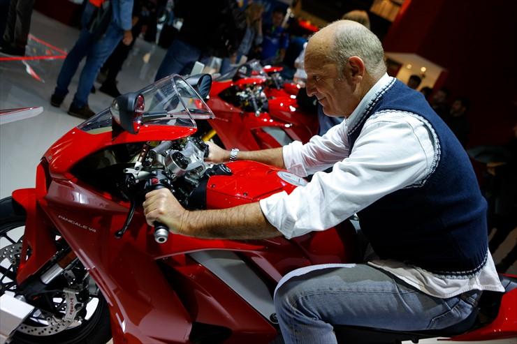 017_Ducati_J0A8439.jpg