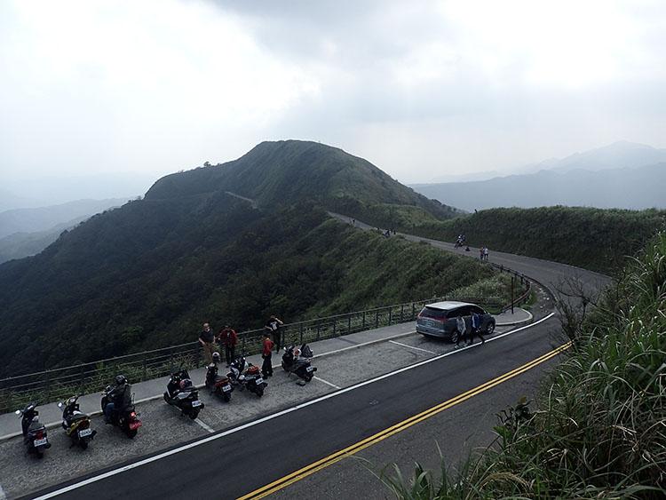 8「天空の道」と呼んでる峠には地元のライダーがいっぱい