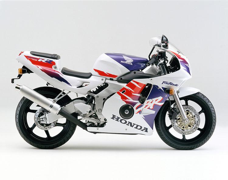 CBR250RR(MC22) ロスホワイト×ジョケイーブルーメタリック