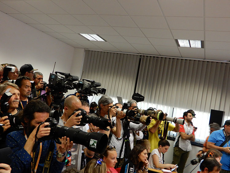 カメラはイタリア語で「部屋」の意味