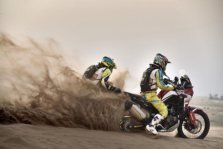 砂丘ではあっというまにスタック。でも楽しかった〜