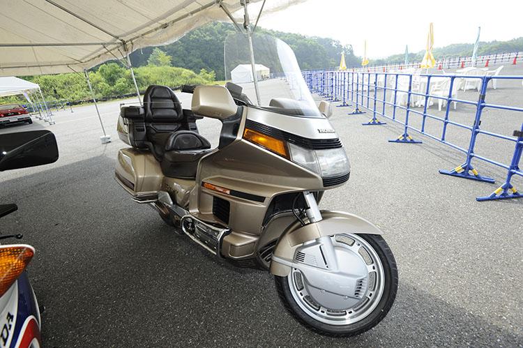 ゴールドウィングGL1500