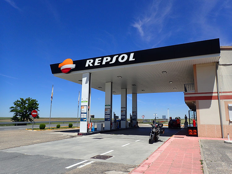 7やっぱりガソリンはレプソルで入れたくなる