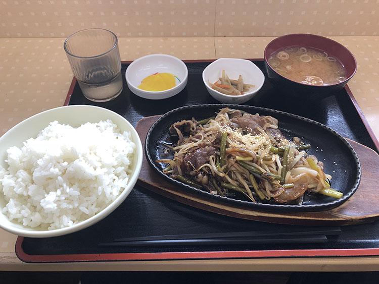 ガーリック牛バラ焼き定食