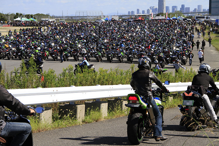 バイクでいっぱい