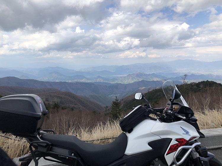 美ヶ原高原から見た雄大な山々の景色