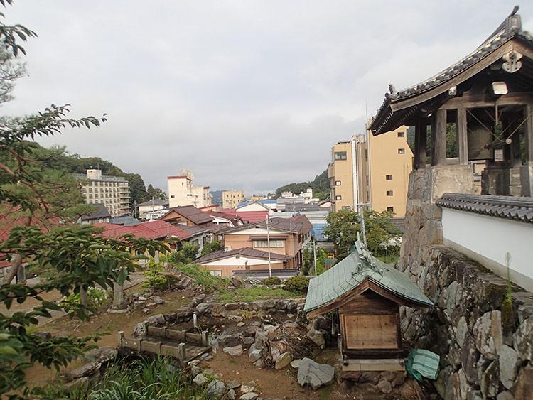 渋温泉の町並み