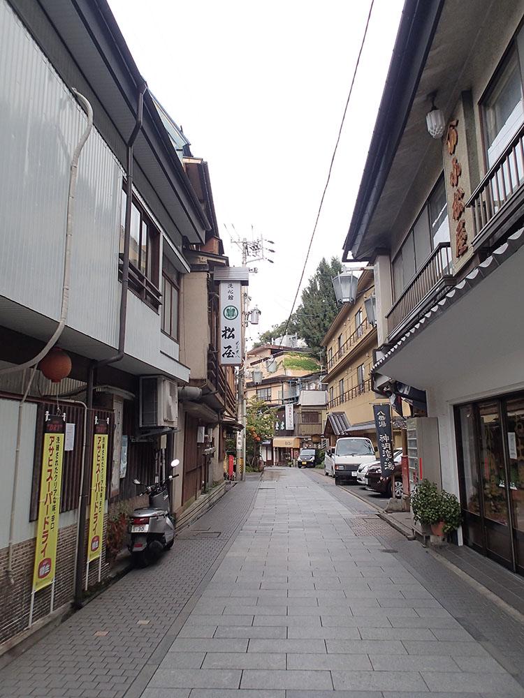 古い町並みが残る渋温泉